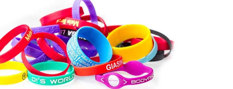 Tour de cou et bracelets personnalisables